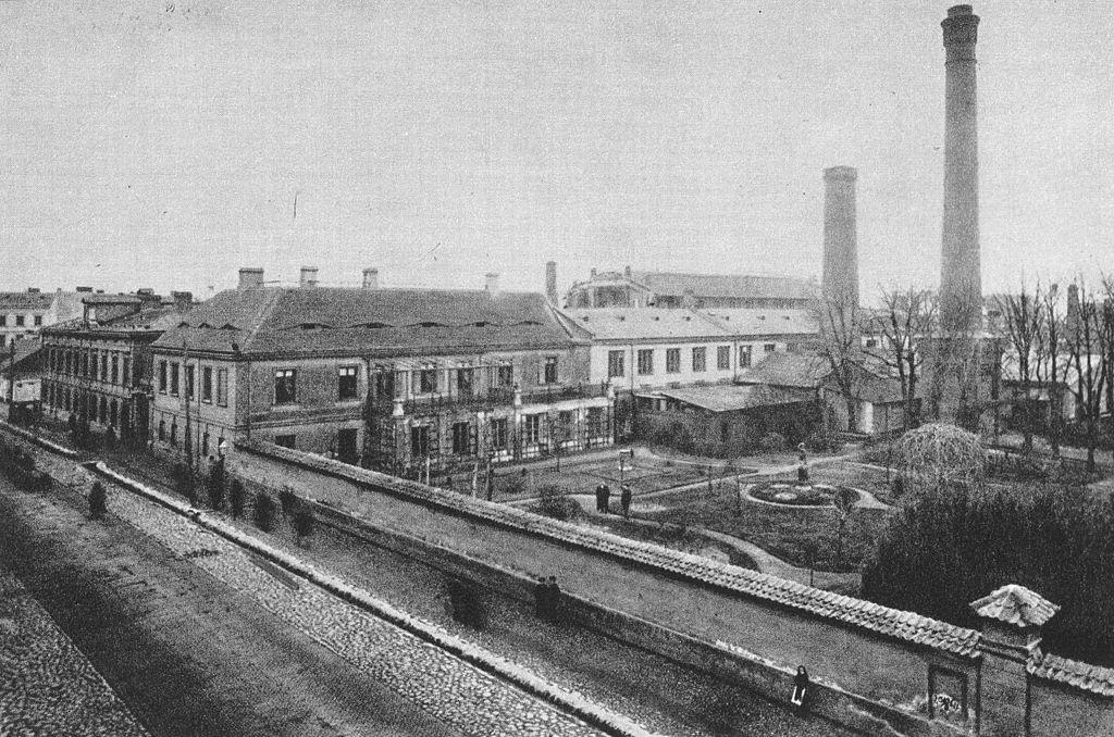 Kawa warszawskiej historii platery z fabryki norblina for Z portal